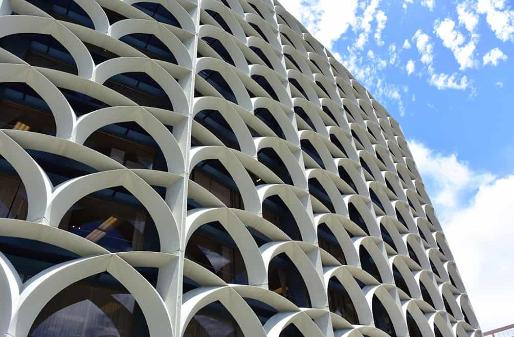 the midcentury architecture of the bank of hawaii