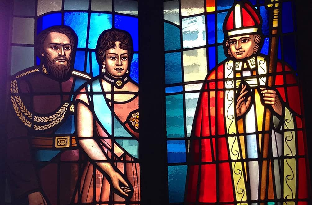 Hawaiian royalty depicted in stained glass, seen on the Honolulu Architectural Walking Tour
