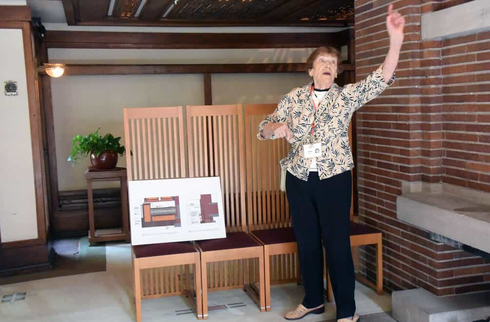 Robie House tour guide